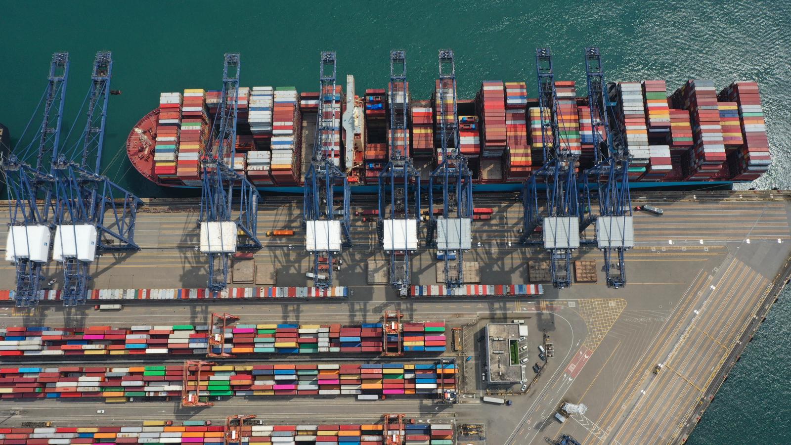 货轮停泊靠港作业一 DJI_0120.jpg